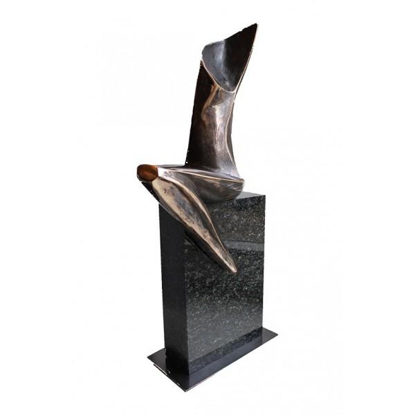 """Rzeźba z cyklu """"Tajemnice kobiet"""" Nr. V"""