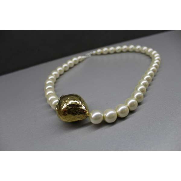 Pearls with a gold strawberry